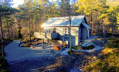 Fam friendly furniture cottage in a quiet environment. 8 Pers Sauna and Jacuzzi