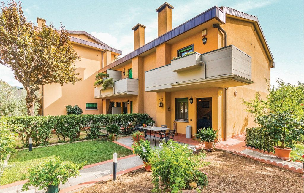 3 bedroom accommodation in antella bagno a ripoli antella for Bagno a ripoli firenze bus