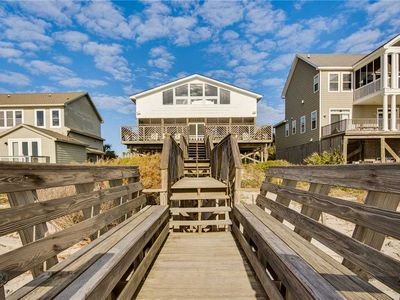 Photo for Stunning Oceanfront Home with Incredible Views