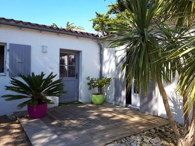 Photo for Luxury villa, 1 to 8 people, 50 meters from the beach, Le Bois Plage en Ré
