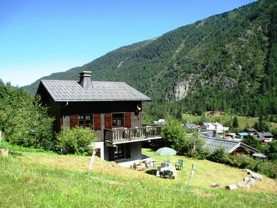 Photo for Quiet and sunny family chalet, 100m², 5 bedrooms, balcony, garden