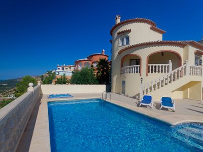 Photo for Luxury Villa with Private Pool, Jacuzzi, Sea Views, WiFi and satellite TV.