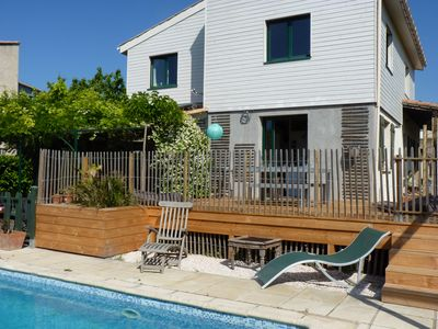 Photo for Detached villa with swimming pool and children's playground near the sea and Montpellier