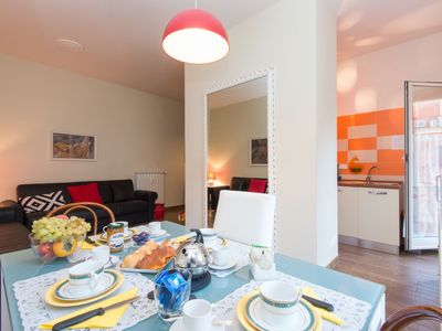 Photo for 2 bedroom Apartment, sleeps 5 with Air Con, FREE WiFi and Walk to Shops