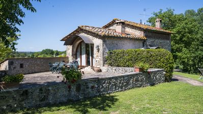 Photo for APART. CHARM, AIR CONDITIONING, SWIMMING POOL CLOSED IN THE HEART OF CHIANTI-FLORENCE