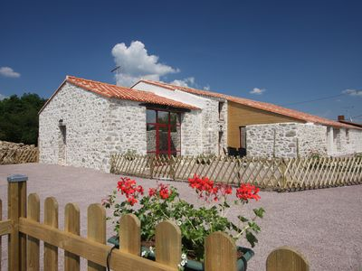 Photo for the house Paquerettes is located in the countryside in a small Vendée hamlet