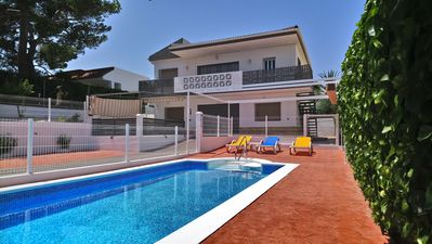 Photo for VILLA 200M FROM THE BEACH + 5 BEDROOMS WITH CLIM + PRIVATE SWIMMING POOL + 2 KITCHENS
