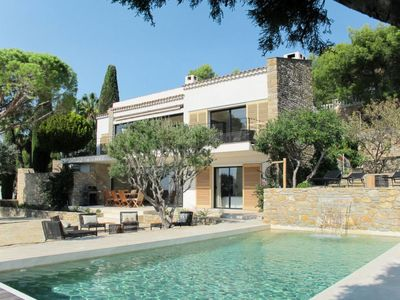 Photo for 4BR Villa Vacation Rental in Bandol
