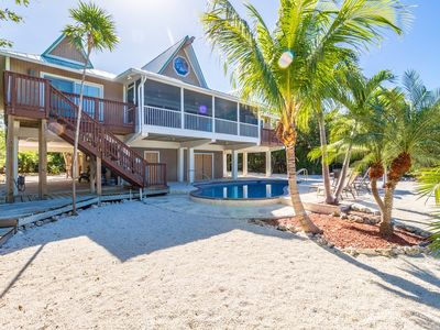 P58 - Gulf Front Luxury 4 bedroom 4 bath with private pool and deep water dockage?