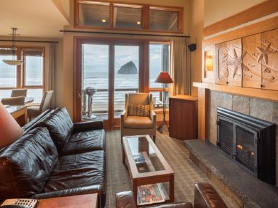 Photo for Luxury Oceanfront Cottage in Pacific City