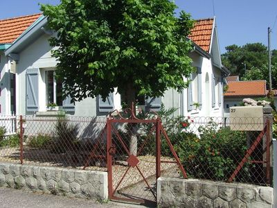 Photo for Pretty house with garden 300m from the city center