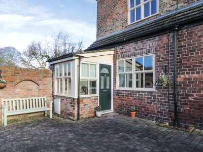 Photo for WESLEY COTTAGE, pet friendly in Brandesburton, Ref 922628