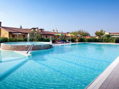 Photo for One bedroom Villa, sleeps 4 in Roncaglia with Pool, Air Con and WiFi