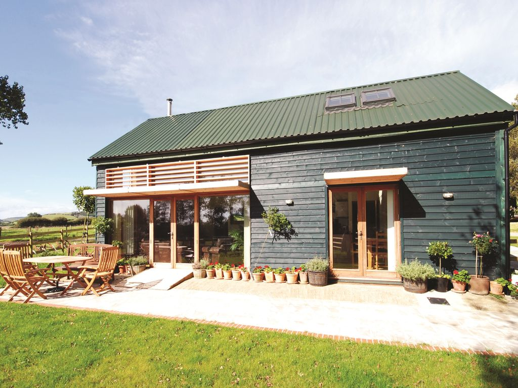 5* Converted Barn in an area of 'Outstandin...