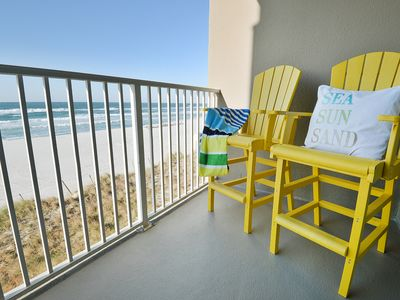 Photo for Fantastic family condo! 3 parking spaces, & beach service