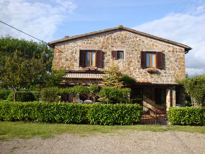 Photo for Apartment in Typical Countryhouse in Tuscany - Elegant Rooms, Relaxing Veranda