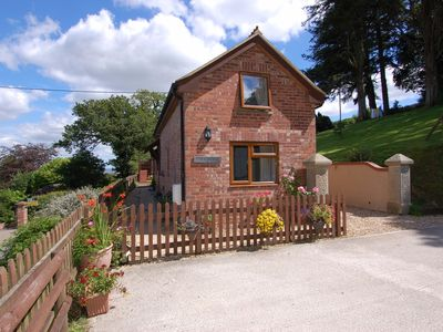 Photo for ASH COTTAGE, country holiday cottage in Exeter, Ref 967284
