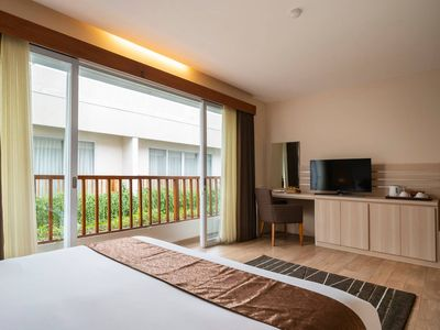 Photo for Affordable Double Suite with Pool View