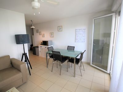 Photo for T3 in recent residence with direct access to the beach