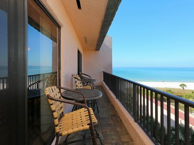 LUXURY PENTHOUSE NEWLY RENOVATED! PRIVATE CRESCENT BEACH * AMAZING VIEWS!