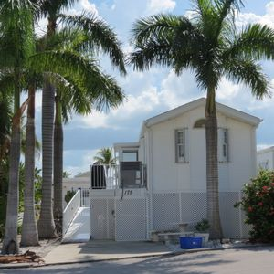 Photo for Comfortable Waterfront Vacation Rental