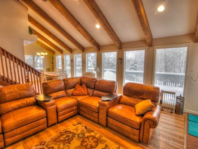 Photo for 5BR, Short Walk to Slopes, Beech Mountain, Hot Tub, View of Slopes, Grill, Sleeps 15