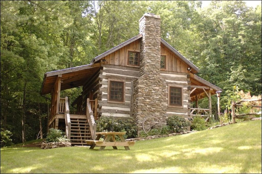 Little creek antique log cabin near boone parkway for Cottage builders near me