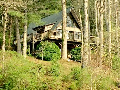 Entry view of Ellijay Cottage from the Driveway