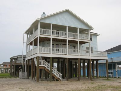 Photo for Janie's - Beachfront home, great views, easy beach access!