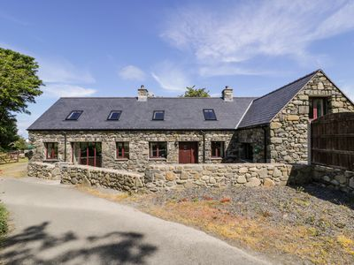 Photo for 4BR Cottage Vacation Rental in Llwyngwril