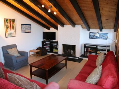 Photo for Refurbished 4 bed penthouse apartment just 50 m from ski lift + covered parking