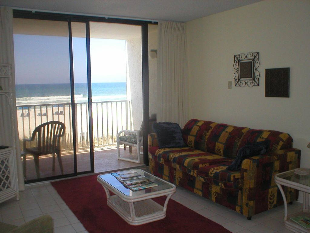 First Floor 1 Bedroom Condo Edgewater Beach Sitting Right