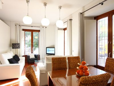 Bright, open-plan 3-bedroom apartment for up to 9 guests - veoapartment