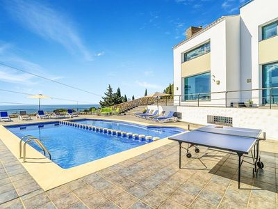 Photo for 5 bedroom Villa, sleeps 10 in Benalmádena with Pool, Air Con and WiFi