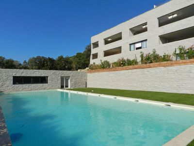 Photo for 2 bedroom Apartment, sleeps 6 with Pool, Air Con, WiFi and Walk to Shops