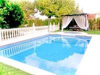 Lovely house, well kept gardens and pool.