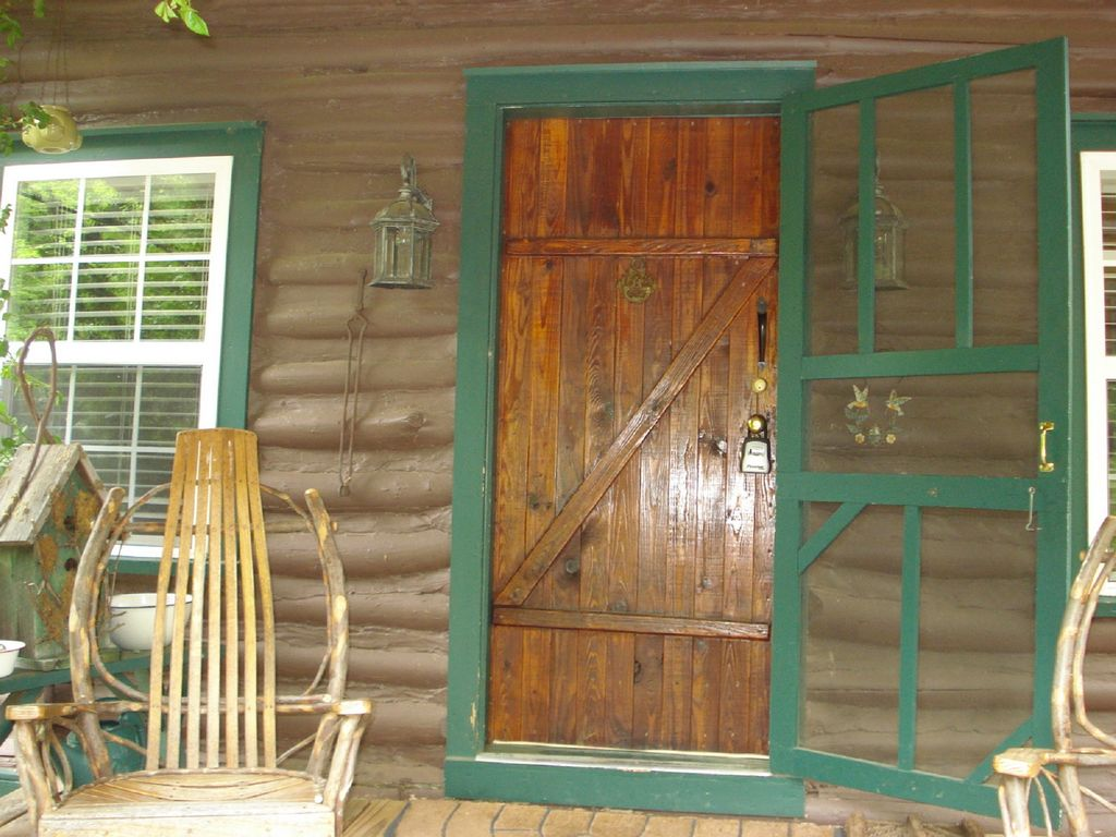 Rustic Log Cabin With Updated Modern Features - VRBO