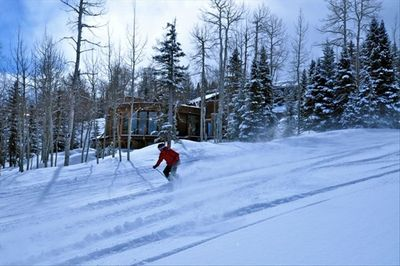 Ski in & out access one of the best in Snowmass. Adams ave 3-5 min run to base