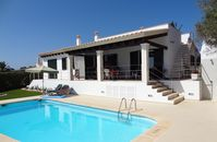 Beautiful, well equipped villa with stunning views
