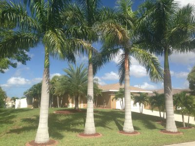 Photo for Elegant Pool Villa for 6-8 people in the southwest of Cape Coral. Fi and 2 TVs ... !!!