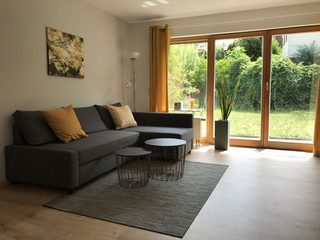 Modern slaapkamer whng pers tuin w homeaway