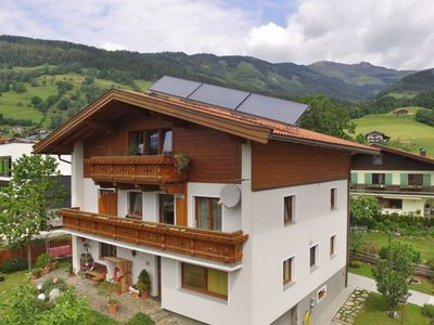 Photo for A pleasant holiday accommodation with a panoramic view of the Mountains.