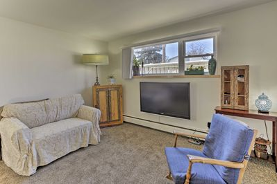 The apartment is just 15 minutes from downtown!