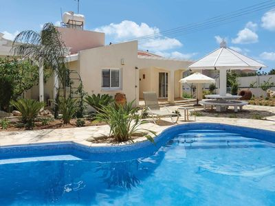 Photo for Single-storey villa with private pool, BBQ, free Wi-Fi and free aircon