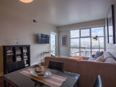 Luxury Corporate Apartment in the heart of Downtown Las Vegas