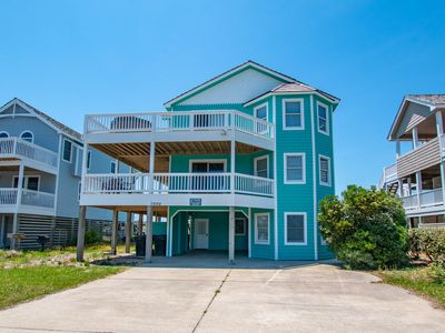 Photo for 7 Bedroom Sleeps 18 Friday Check-In and Beach Club Access