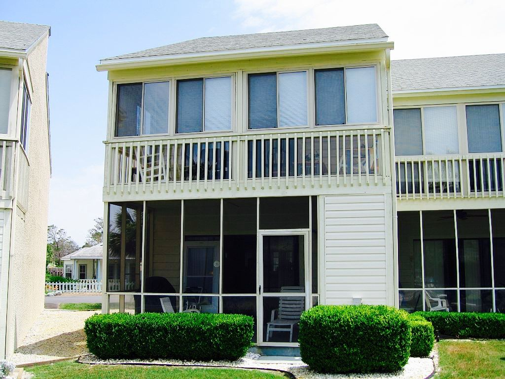 Misty cove 2 bedroom 2 5 bath townhouse walk to beach for 2 bedroom townhouse