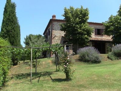Photo for 4 bedroom Villa, sleeps 8 in Monte San Savino with Pool and WiFi