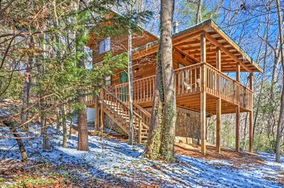 Tranquility awaits you at this Sautee Nacoochee vacation rental cabin!