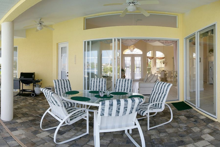 Villa Golden Sunset, Waterfront, Gulf Access, Wi-Fi, Wide Canal